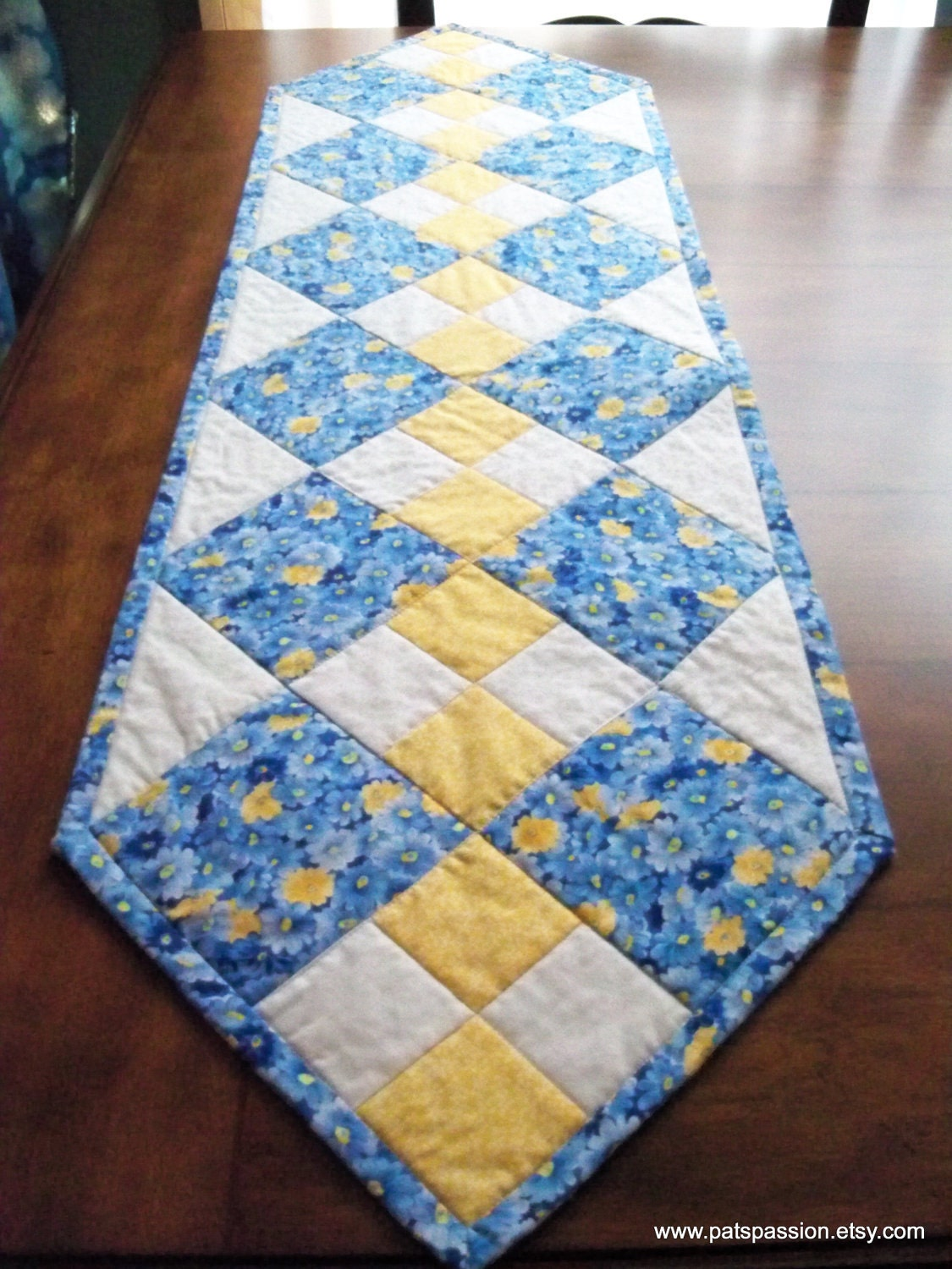 PatsPassionQuilteds runner Runner yellow Table table Blue Quilted  by Yellow Patchwork