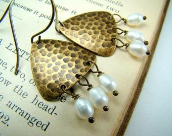 Hammered brass earrings, pearl dangle earrings, antiqued bronze,... Urban Chic