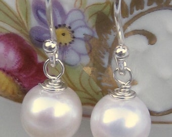 fatdog Earrings - E9 Cream White Freshwater Pearl Solo 8mm