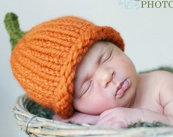 Chunky knit lil pumpkin hat newborn sized. Perfect photography prop for Halloween and Fall.