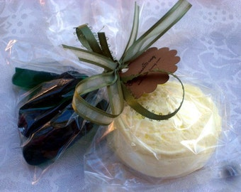 Pickle and Ice Cream Soap Baby Shower Favor Set of 10 - Party Favors - Ice Cream - Food Soap - Pickles and Ice Cream - Novelty Soap