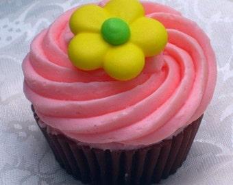 Soap Cupcake - Daisy Dreams Cupcake Soap - Dessert - Bakery - Party Favor - Spring - Easter - Sweet Soap - Fake Food - Novelty - Vegan