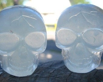 Scary Skulls Glow in the Dark Soap - Halloween Soap - Novelty Soap - Walking Dead - Skulls - Glow in the Dark