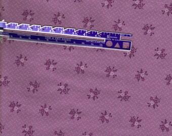 Fat quarter, purple cotton fabric, perfect for your quilt,  vintage VIP