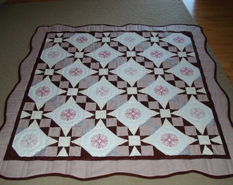 Quilt, Embroidery, Pink, Burgandy, scalloped edge,Tennessee Waltz Pattern, Tulips