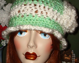 Hand Crochet Edwardian Cloche Flapper Hat/Spring Green & White/Free US shipping/Cloche Hat/Women's Accessories/Winter Accessories/Fall