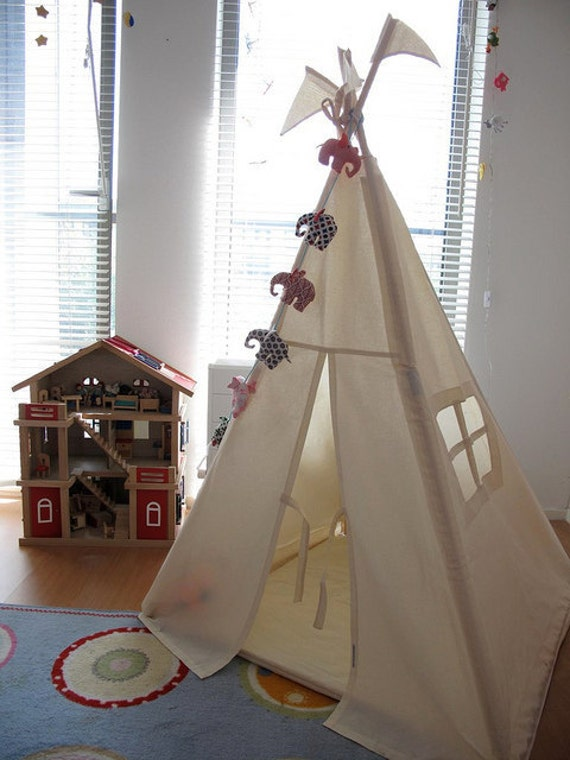 Tipi - Plain indoor play teepee tent
