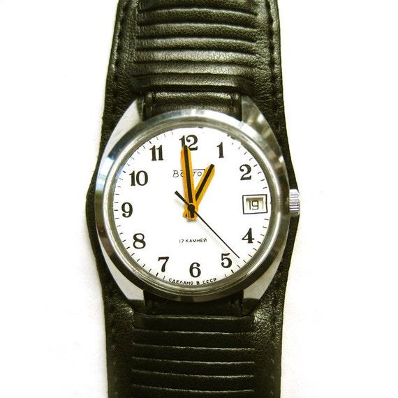 Russian Mechanical Watch VOSTOK 17 JEWELS USSR  Soviet windup wristwatch retro watch for men leather strap white black father graduation cij