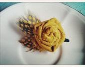 mustard rosette clip