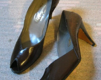 Vintage darkest brown snake leather peep toe heels, brown snake  high heels by Pappagallo made in Spain size 6 or 6 1/2
