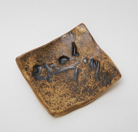 Ceramic Pottery horse head small ring plate