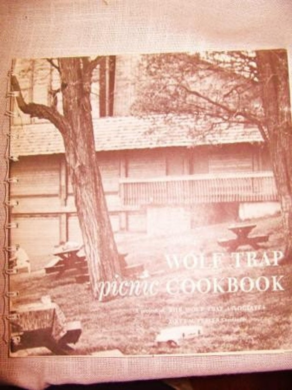 Vintage WOLF TRAP MUSIC CONCERT GOURMET PICNIC Cookbook WASHINGTON DC VIRGINIA