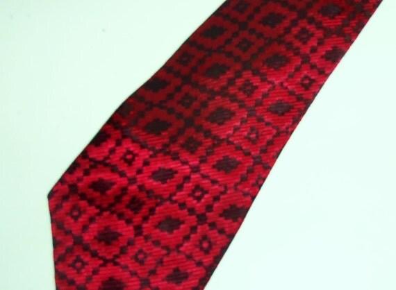 """Vintage Wide Necktie 1970's Red Black Mens Tie 3 1/4"""" w"""