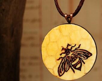 Honey Bee - Necklace - Large Round