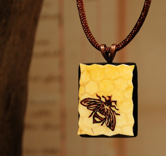 Honey Bee - Necklace - Small