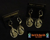 Handcrafted Southwestern Themed Earrings   Howlin At The Moon