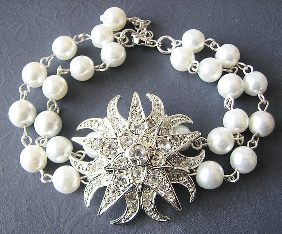Bridal Bracelet Wedding Jewelry Crystal Rhinestone Bracelet Pearl Bridal Jewelry Unique Wedding Gift Bridesmaid Gift Maid of Honor