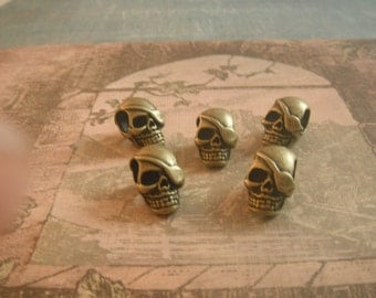 Beads Skull Bead Solid Antique Brass 20.5x13.5x12.5mm, with hole of 6.5mm Pack Of 5
