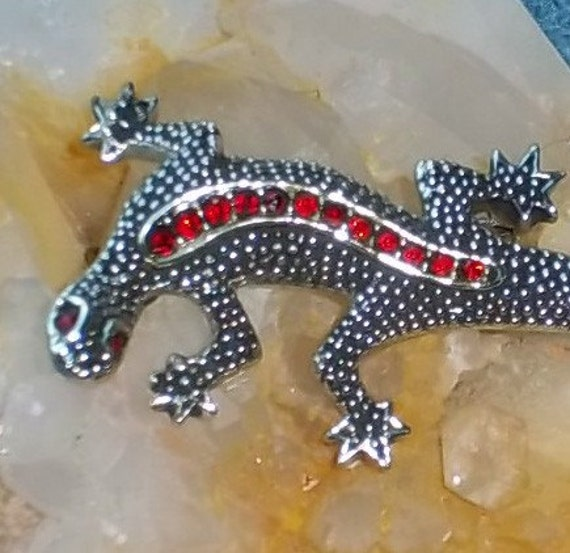 Vintage Gecko Brooch, Nubby Silvertone with Faux Rubies