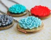 The Chrysanthemum Locket - Vintage - Choose your color