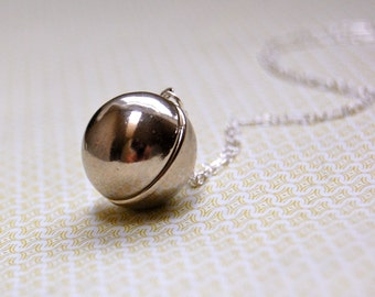 Silver Orb Locket - Vintage