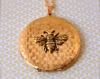 Bumblebee Vintage Locket Necklace Gold