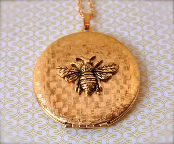 Bumblebee Vintage Locket Necklace Gold