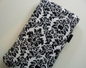 iphone\/itouch sleeve - classy damask