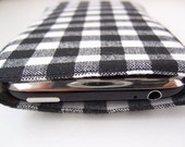 iPhone\/iPod itouch sleeve - midnight picnic