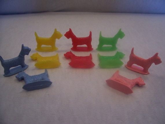 Vintage Plastic Miniture Scotty Dogs in Multiple Colors lot of 12