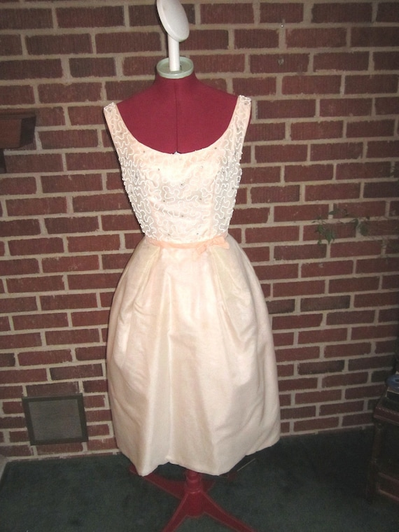 Vintage 1950s/60s Pretty Pale Pink Beaded Cocktail Party Dress with Rhinestones
