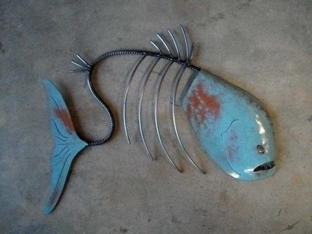 Metal fish sculpture pictures to pin on pinterest pinsdaddy for Metal fish art