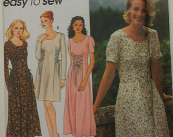Dress with Neckline Sleeve and Lacing Variations 6 8 10 Simplicity 9887
