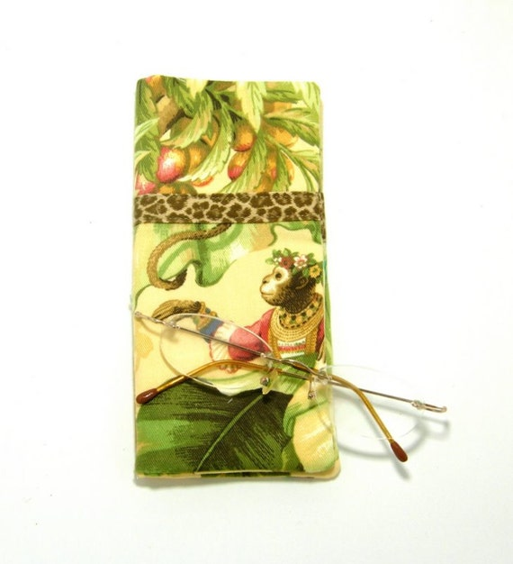 Romeo and Juliet Double Eyeglass Holder