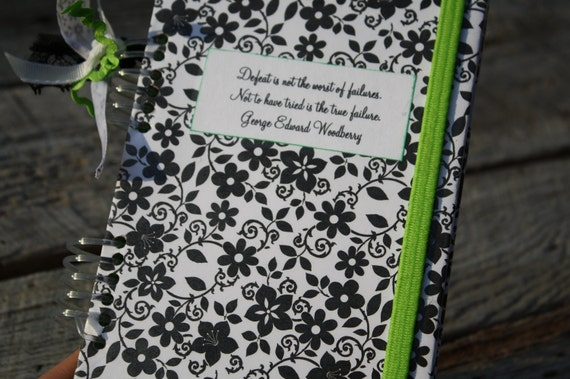 Black and White With Green Budget System with 5 Envelopes and a Protective Cover