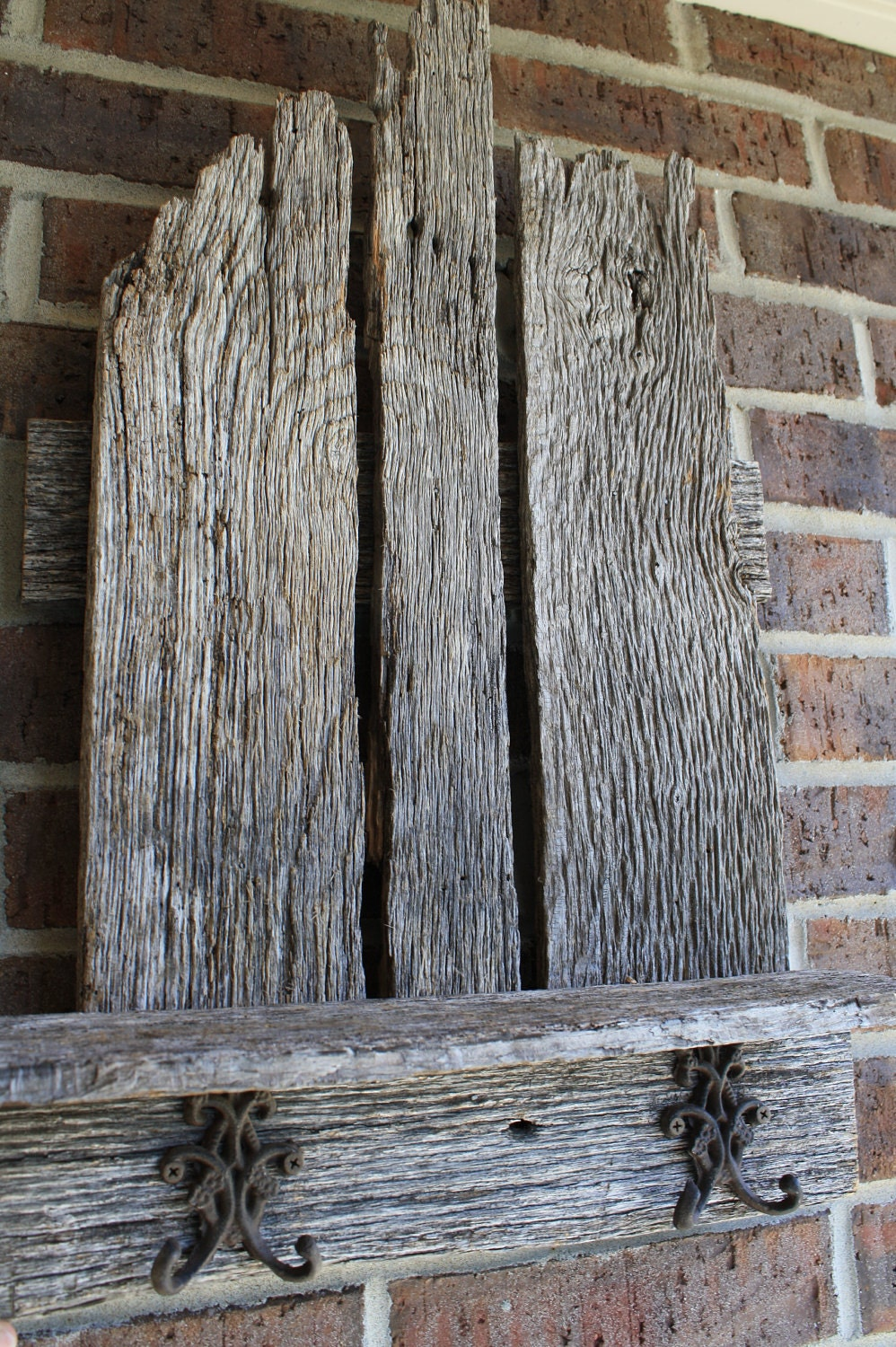 Natural Gray Reclaimed And Recylced Barn Wood By