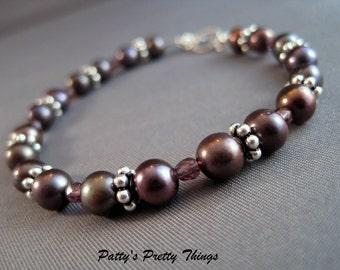 Dark Peacock Pearl Bracelet