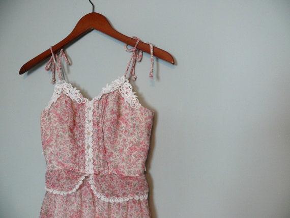Vintage 1970s dress // Pink Floral Maxi peplum xsmall