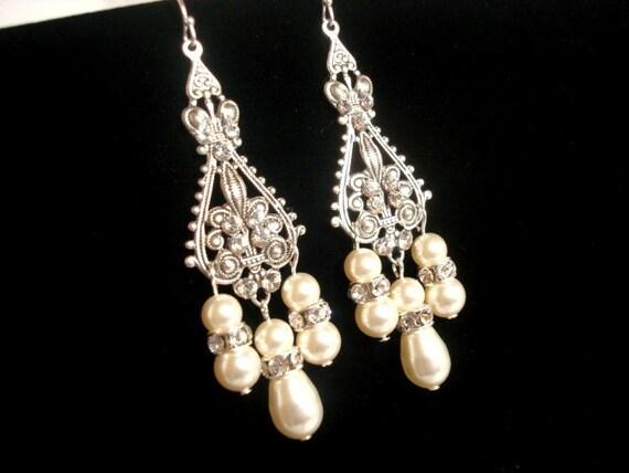 Crystal Bridal earrings, Pearl Wedding earrings, Wedding jewelry, Chandelier earrings, Antique silver earrings, Vintage style earrings