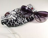 Black and White Floral Glasses or Sunglasses Pouch
