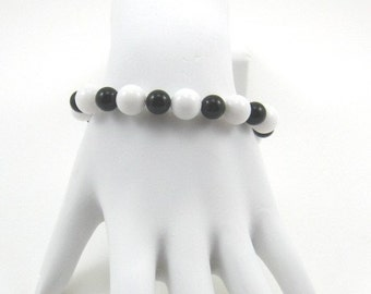 White Jade and Black Onyx Bracelet (B143)