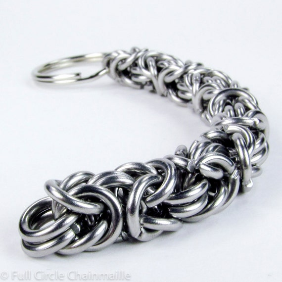 Chainmaille Keychain - Thick Byzantine Pattern