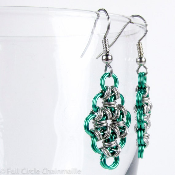 Green - Chainmaille Earrings - Japanese Diamond Pattern