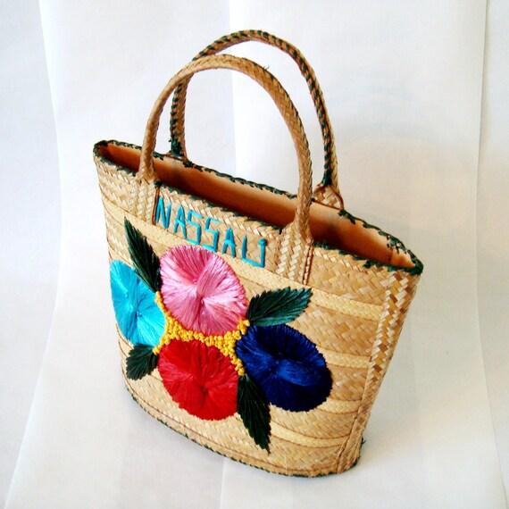 Vintage Nassau Straw Tote Bag with Raffia Flower Design / Summer Beach Bag Vintage 1960s