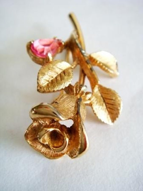 Vintage Brooch, Avon Rose Brooch, Vintage Avon Jewelry, Floral Brooch, Valentines Day Pin