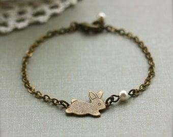 Rabbit Bracelet. A Tiny Bunny Bracelet. Antiqued Bronze Rabbit Bunny and Pearl Bracelet. Bridesmaid Gifts. Sister. Daughter. Best Friend