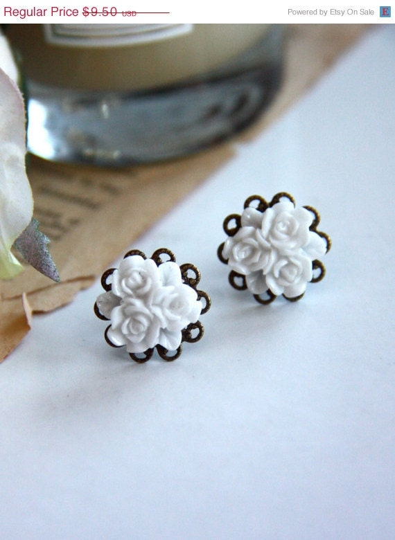 Reserved for Lais - A Sweet White Flower Bouquet Post Earrings.