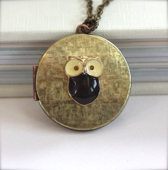 Owlie - A Cute Owl, Vintage Round Basketweave Locket. Gifts for Daughter  Gifts for Her. Whimsical Gift for Sister.
