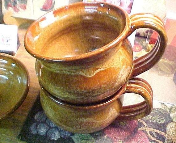 2 Soup Mugs Cups Bowls Caramel Golden Brown Generous Large Handles