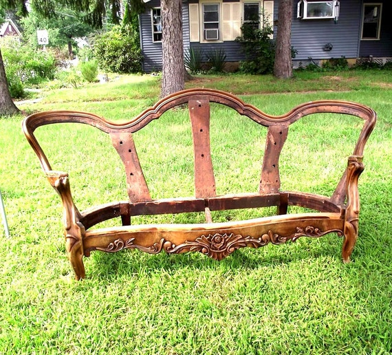 Victorian Couch: Victorian Settee Sofa Frame. DIY Brute Upholstery. PIck Up